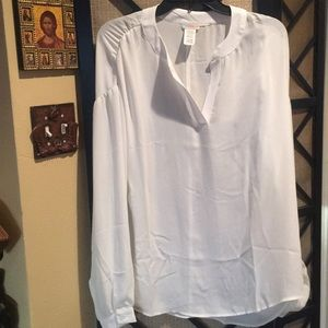White long sleeve blouse. Flowing and beautiful!